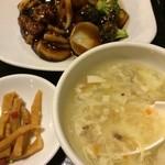 天津菜館 - スープ、お漬物