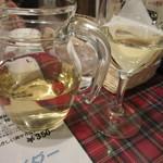 27376400 - ハウスワインをピッチャーで