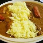 セイロンキッチン Bentota - ツインカレー(日替わり)にソーセージトッピング♪