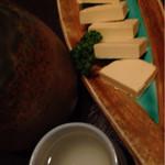 靜月 - 熱燗とチーズ醤油漬け