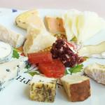 サロンド・テ・チーズ王国 - チーズ盛り合わせ