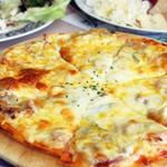 サロンド・テ・チーズ王国 - 料理写真:食べ放題のピザ