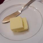 27385912 - バター
