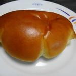 石窯パン工房サンメリー - 料理写真:なつかしのクリームパン 130円