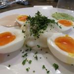 酒飲めフレンチ bisとろタカギ - ウフ・マヨ600円。ジャガイモと卵、お肉の付け合わせにはピッタリ!