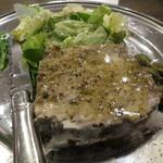 酒飲めフレンチ bisとろタカギ - 呪われたパテ1200円。1ヶ月以上熟成したお肉で作られたそう。