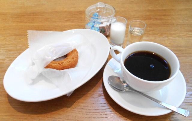 フロレスタファーマーズキッチン コドモ - カフェ:焼き立てドーナツとホットコーヒー