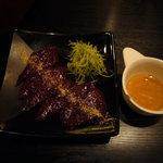 肉丸精肉店 - レバ刺