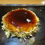鶴橋風月 - ④裏返して焼いて、マヨとソースを塗って