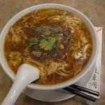 蓬莱閣 - 酸辣湯麺はこのタイプ。