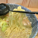 天空 - 天空・ラー麺(豚)麺近影(2014.02)