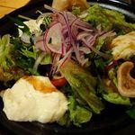 丸秀鮮魚店 - もっちり豆腐と彩り野菜の香味サラダ
