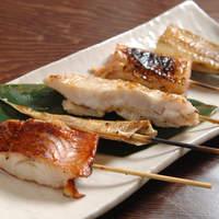 魚串 炙縁 - 名物!魚串5本盛り合わせ 980円