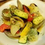 升源 - アサリと夏野菜のバター炒め