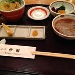 27431592 - 天ぷらご膳は味噌汁、サラダ、お新香付き