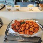 ニセコグランドホテル - 鮭フライ、クリームコロッケ、バターコロッケ