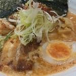 ましこ亭 - ライトな海老出汁とカリカリの炙りチャーシュー
