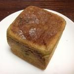 リール ブーランジェリー - キューブのぱん(煎茶)191円