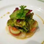 27441306 - 前菜 帆立貝のサラダ仕立て