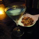 ココナッツムーン - 料理写真:沖縄の海岸にあるバーで、「ミッドナイト・ブルー」♪ 最高の気分。
