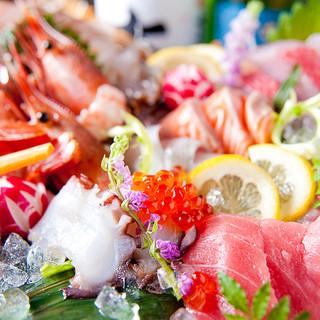 漁港直送!鮮魚のお造りや創作料理を堪能♪