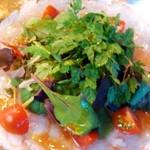 クッチーナ イタリアーナ アンゴロ - ひらめと鯛のカルパッチョ:どあっぷ図 by ももち