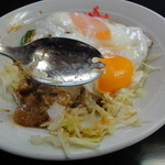 せきざわ食堂 - 2014/5 先割れスプーンで食べます。