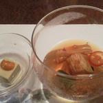 アスヘノトビラ - 前菜、蟹味噌豆腐に雲丹が。∑(`∀゚´*)オォ、茄子の冷製ゼリー寄せ