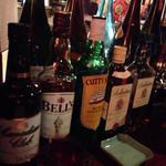 Karukarodonkarukarisu - ウィスキーが一通り。