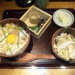 鶏専門 日向暁荘 - 滋養鶏のとろとろ親子丼&鶏そばセット