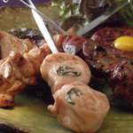 銀座 竹の庵 - 焼物は職人さんによる炭火焼きです。鶏は甲州赤鳥を使用