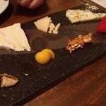 ソセアミ - チーズ3種盛り