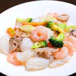上海廊 - 季節野菜と本日の海鮮2種炒め