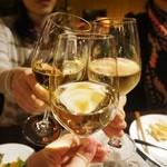 27452345 - 女子会にも◎ワイン美味しい~