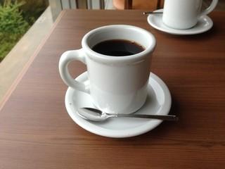 カフェ ダスティアーツ - ボリューム感たっぷりのコーヒー