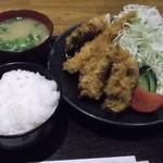 27458947 - Mixフライ定食(ヒレ、エビ、カキ2個)990円