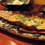 日本酒とお刺身 秋丸 - ズワイガニのカニ味噌ほうば焼き