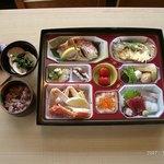 志乃家 - お祝い仕出し料理