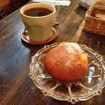 カフェ ピピピ - ゴロゴロチーズマフィン