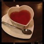 27466206 - ハートのカップ珍しい。