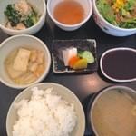 27467045 - 定食セット おかず2品、サラダ、香の物、ごはん、みそ汁