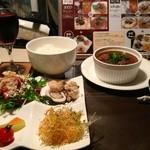 currydinnings garam - 赤カリーは河内ワインとご堪能ください!