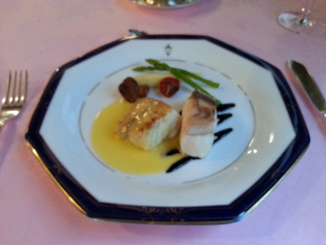 馬車道十番館 レストラン - お魚