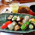 Cafe Fleur - 一番人気の野菜のお寿司です