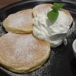 カフェ ド ペラゴロ - 王道パンケーキ