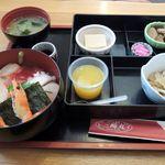 ビア&味処 三崎丸 - 料理写真:タイムランチ・海鮮丼