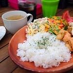 緑人族 - 料理写真:気まぐれ日替わりとり天ランチ♪