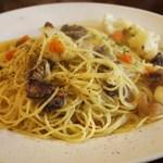 ピノサリーチェ - 牛すじとカリフラワーに塩味スパゲッティ