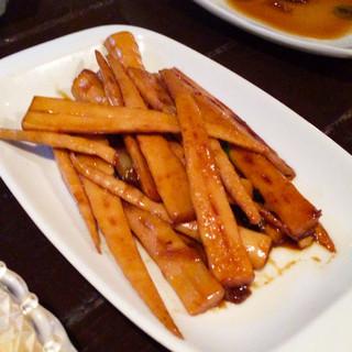 台湾料理 五味香 - 炒剣筍。