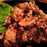 トウキョウ ファミリー レストラン - グルジア風茸とクルミのマリネ 600円